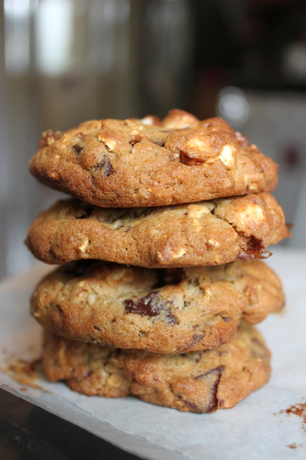 A stack of gfree popcorn cookies